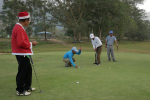 """santa"" plays a few rounds of golf on Chriatmas Day at the Laiza Golf Club."